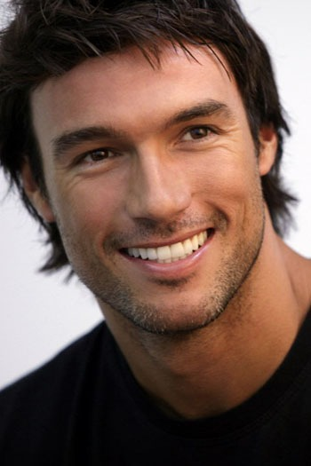 homem bonito - Homens bonitos ganham mais do que os feios, diz pesquisa