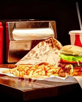 burger joint at le parker meridien new york alexandre taleb 280x350 - Nova York: Burger Joint, do Le Parker Meridien