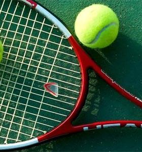tenis alexandre taleb 280x300 - Tenistas - O estilo preppy do esporte