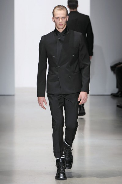 be52adf020d64 Calvin Klein Collection apresenta Inverno 2015 masculino em Milão ...