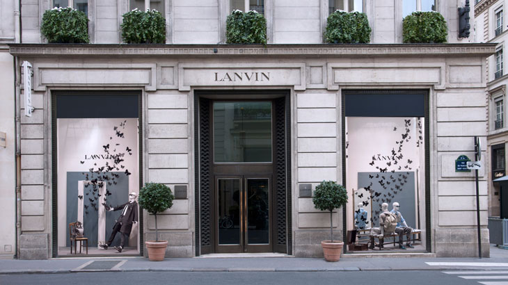 Lanvin Store Windows on Rue du Faubourg Saint Honor Paris 6  - Desfile Lanvin: Marsala continuará em alta