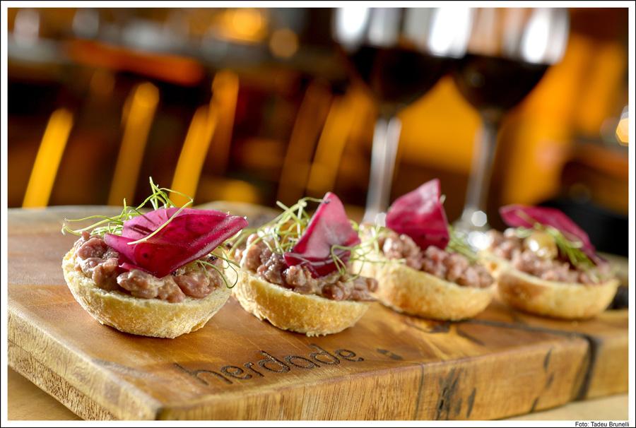 HERDADE TBF8829 - Inaugurado Restaurante Herdade, culinária orgânica e artesanal