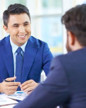 entrevista de emprego 280x350 - 10 Dicas para ter uma imagem de sucesso na entrevista de emprego